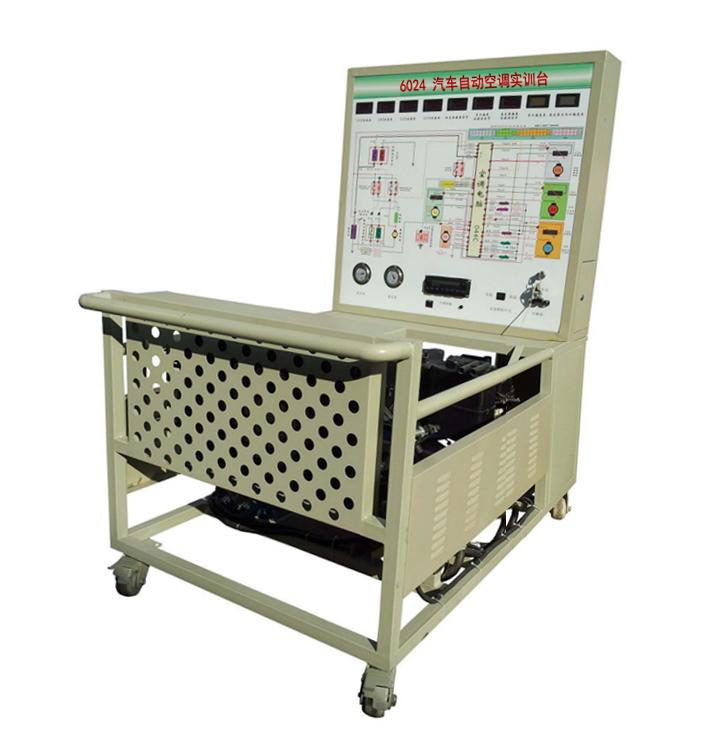 实训台面板上安装有检测端子,可直接在面板上检测空调系统各电路元件